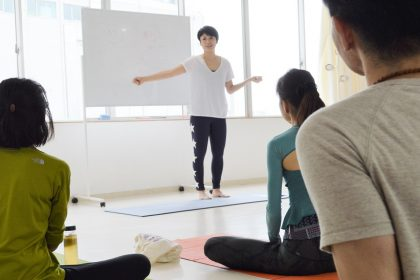 theory yoga 鈴木伸枝